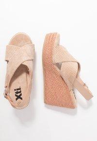 XTI - Korolliset sandaalit - nude - 3
