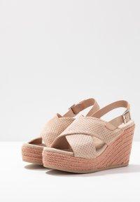 XTI - Korolliset sandaalit - nude - 4