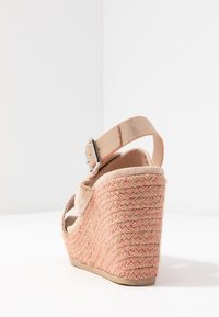 XTI - Korolliset sandaalit - nude - 5