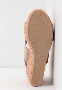 XTI - Korolliset sandaalit - nude - 6