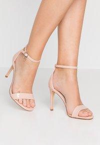 XTI - Sandaler med høye hæler - nude - 0