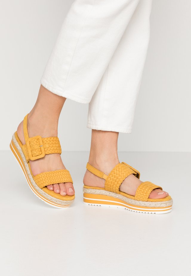 Plateausandalette - yellow