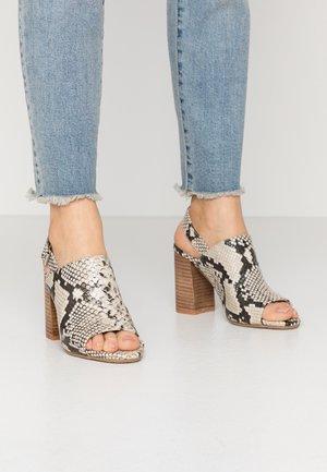 Korolliset sandaalit - taupe