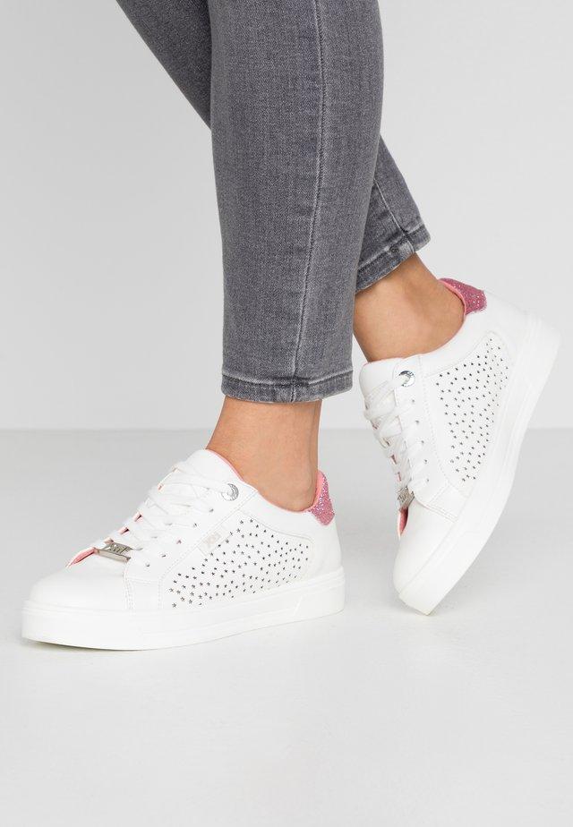 Sneaker low - rojo