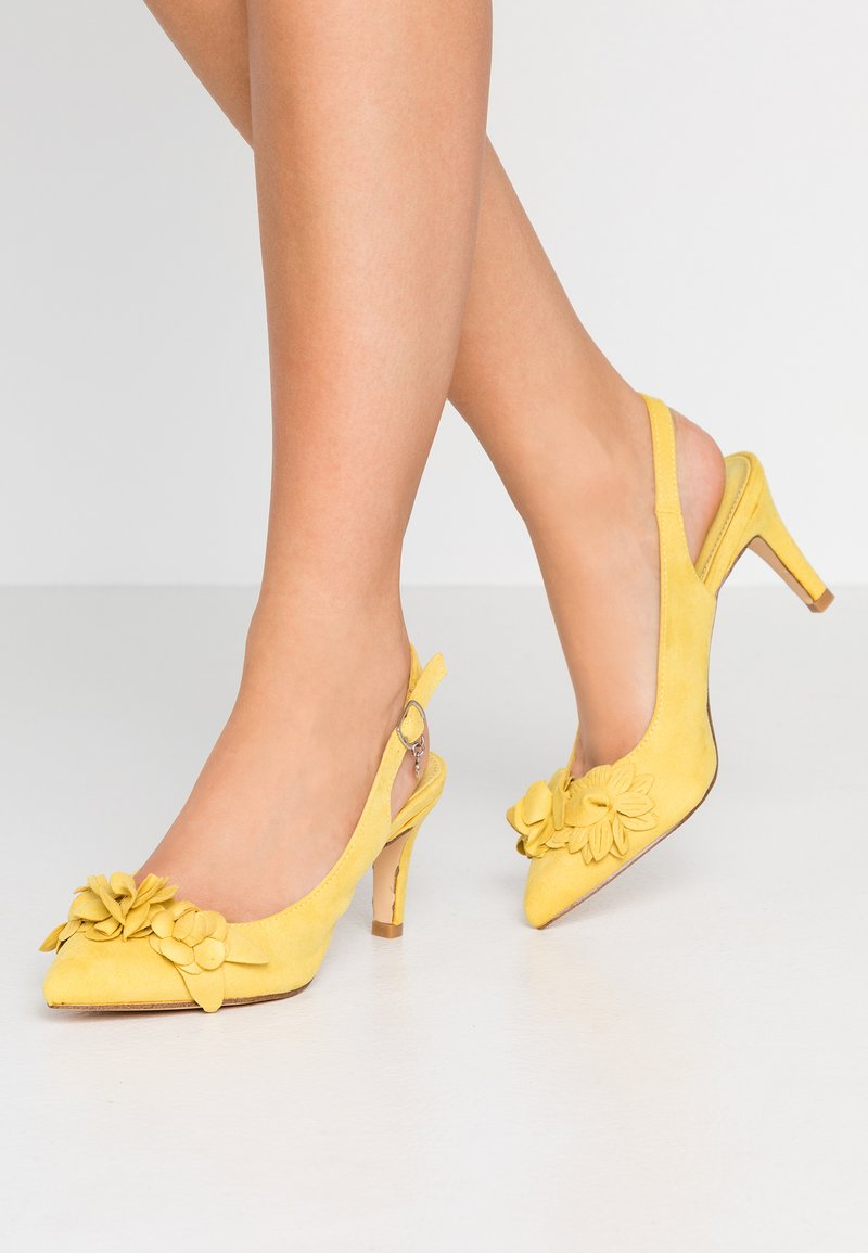 XTI - Classic heels - yellow