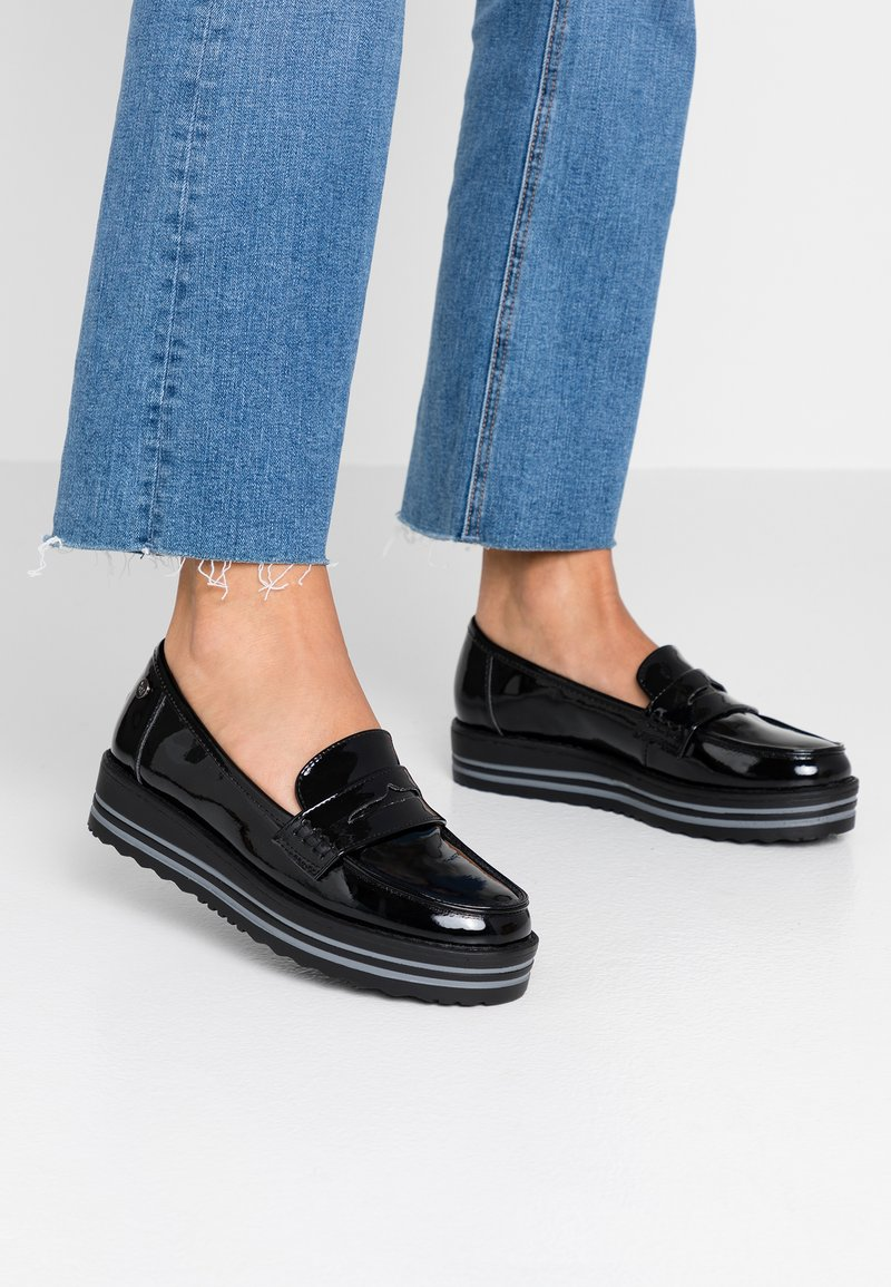 XTI - Loafers - black