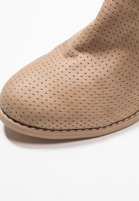XTI - Ankelboots - taupe - 2
