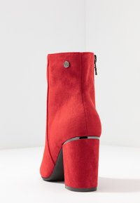XTI - Ankle boots - red - 5