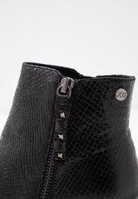 XTI - Ankle boot - black - 2