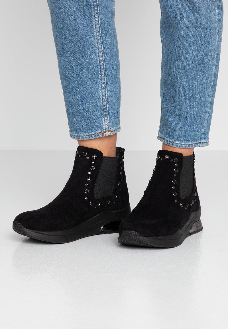 XTI - Støvletter - black