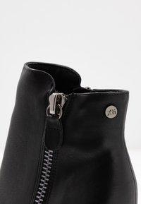 XTI - Kotníková obuv na vysokém podpatku - black - 2
