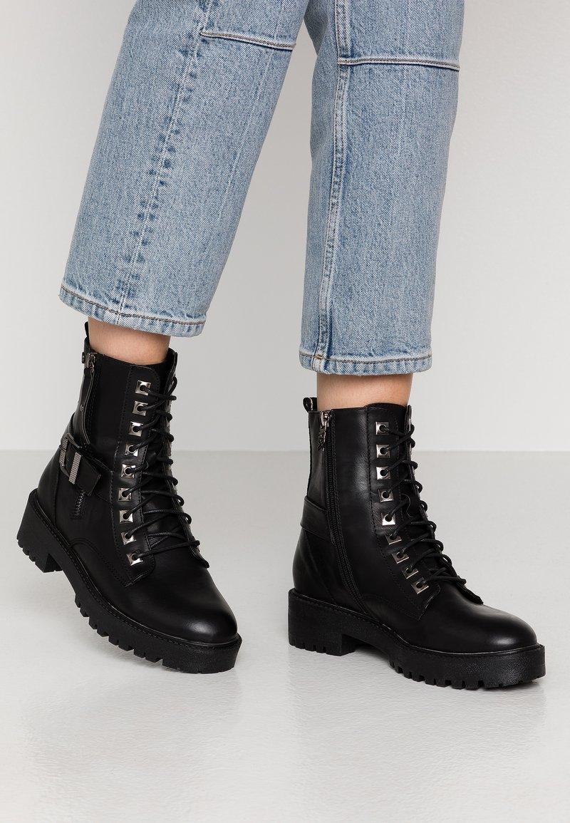 XTI - Cowboystøvletter - black