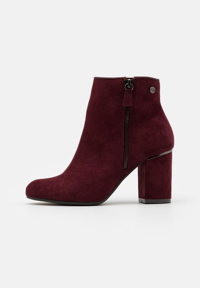 Ankle boots - burgundy