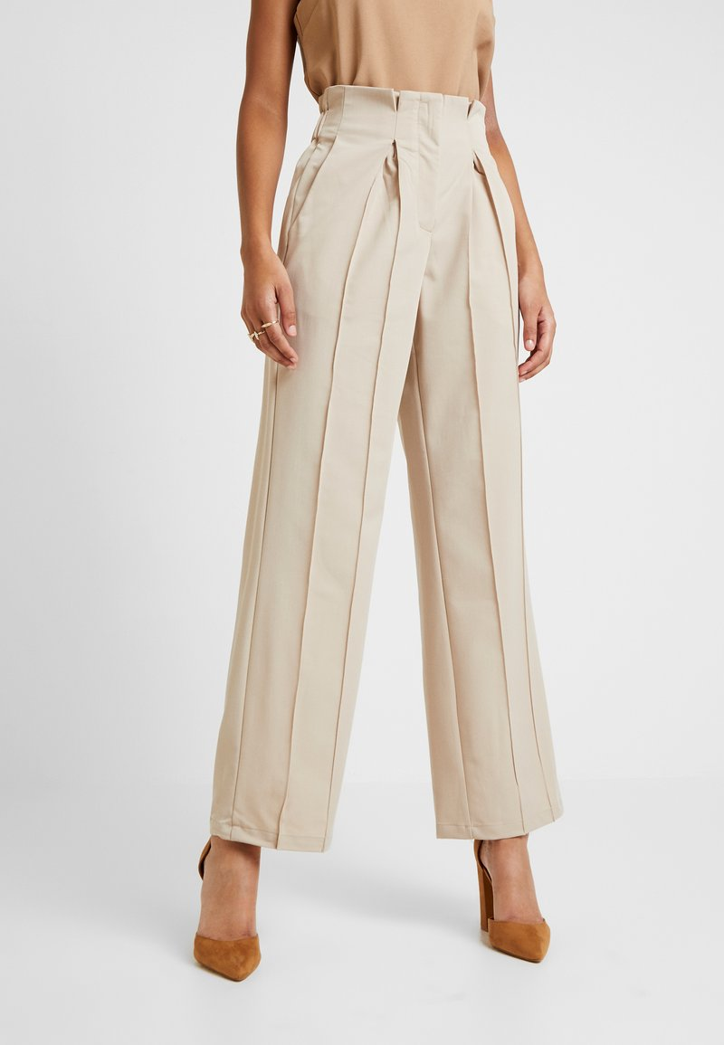 YAS - YASWELLO WIDE PANT VIP - Stoffhose - oxford tan