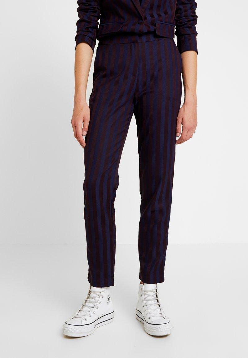 YAS - YASSHERRY PANT - Stoffhose - navy blazer