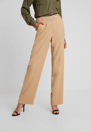 YASLAURA PANT - Pantalon classique - caramel café