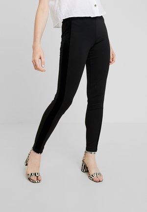 YASCAMILLE - Leggings - Trousers - black