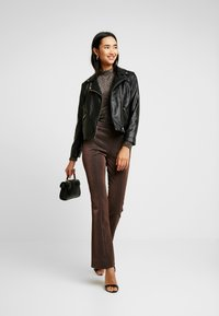 YAS - YASLEA FLARED PANT - Bukse - copper colour - 1