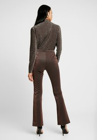 YAS - YASLEA FLARED PANT - Bukse - copper colour - 2