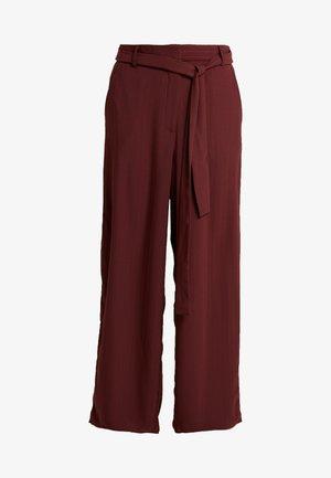 YASMEELEY PANTS - Kalhoty - burgundy