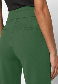YAS - YASVICTORIA WIDE PANT - Pantaloni - greener pastures - 3