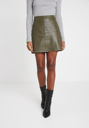 YASHANNAH LEATHER SKIRT - Falda de cuero - beetle