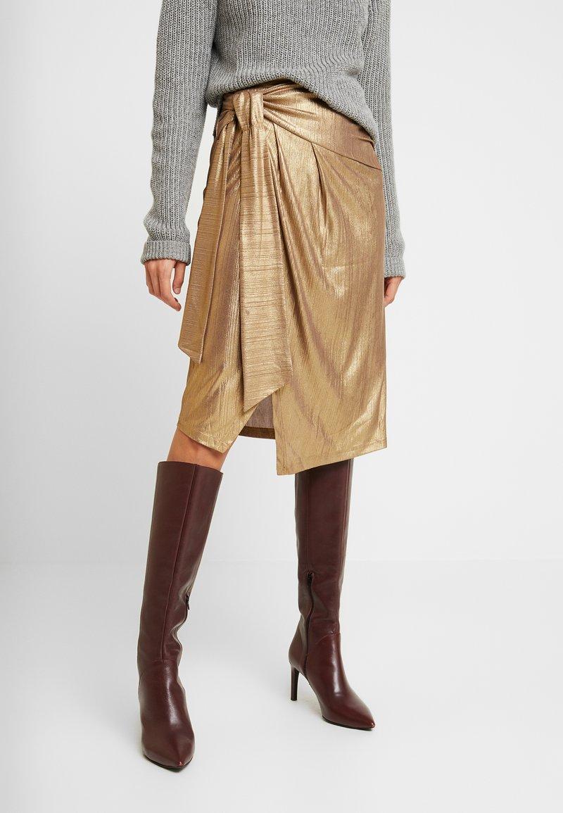 YAS - YASTIKKA SKIRT - Pouzdrová sukně - gold colour