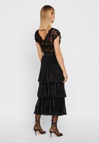 YAS - MIT STUFEN PLISSIERTER - Veckad kjol - black - 2