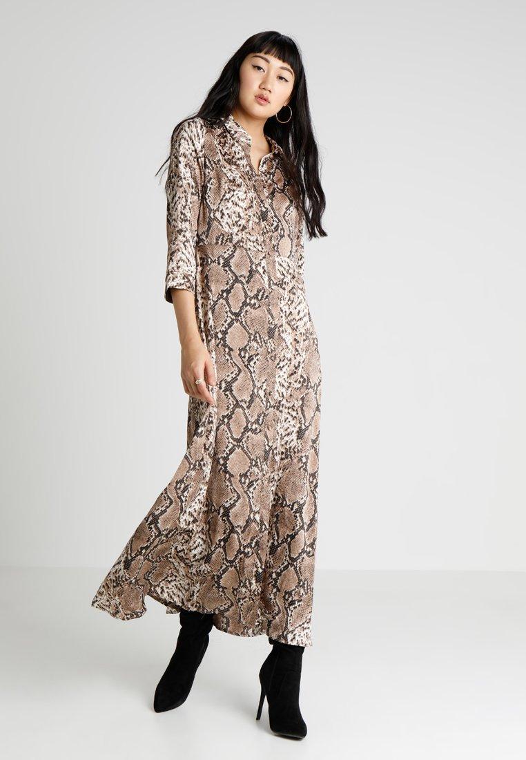 YAS - YASANIMA LONG SHIRT DRESS SNAKE - Maxi-jurk - black