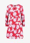 YAS - YASCINCO DRESS - Korte jurk - fiery red