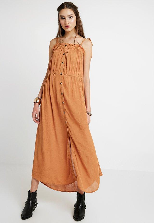 YASELINA ANKLE DRESS SOLID - Maxi-jurk - sudan brown