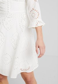 YAS - YASANGLAISE DRESS - Robe chemise - star white - 5