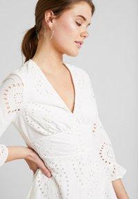 YAS - YASANGLAISE DRESS - Robe chemise - star white - 3