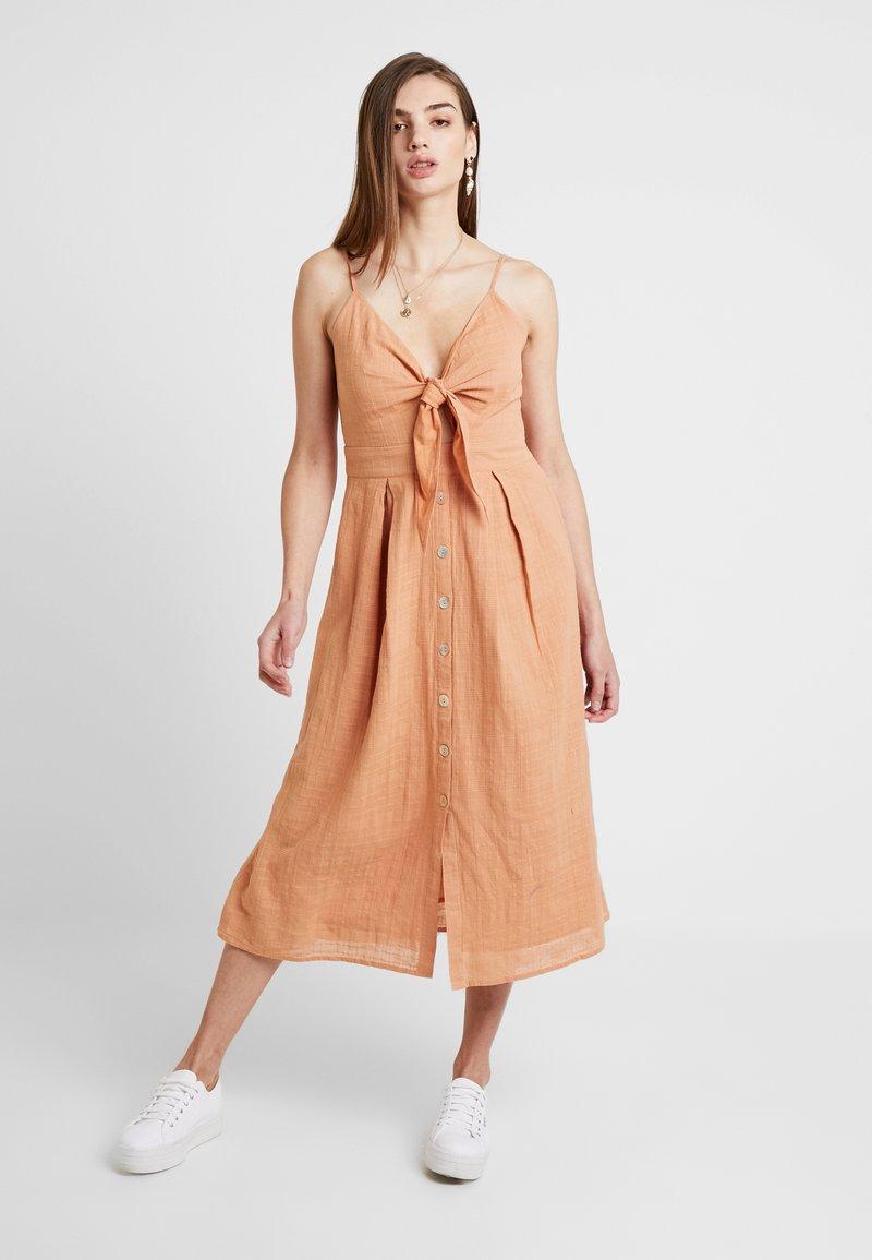 YAS - YASSUSSE STRAP DRESS ICONS - Shirt dress - toasted nut