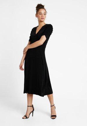 YASBALINA DRESS - Maxikjoler - black