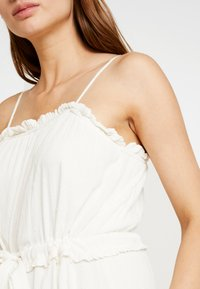 YAS - YASNIGIRI SLIP DRESS  - Maxiklänning - star white - 4