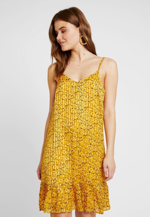 STRAP DRESS VIP - Korte jurk - yolk yellow/golden