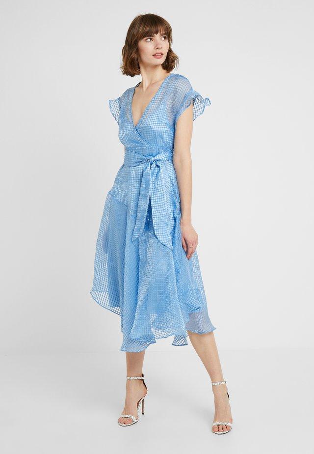 YASCHELLO DRESS - Vapaa-ajan mekko - bonnie blue