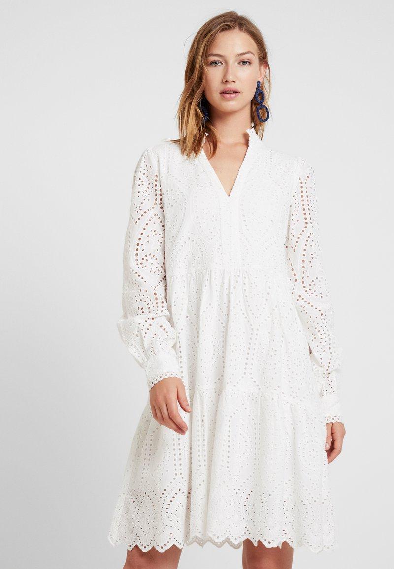 YAS - YASHOLI DRESS - Day dress - star white
