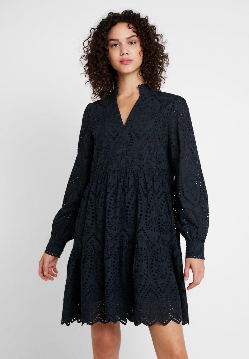 YAS - YASHOLI - Day dress - carbon