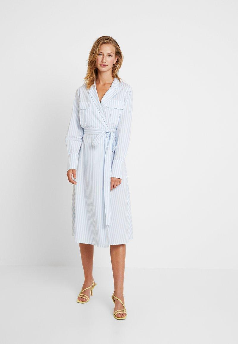 YAS - YASMIZEA DRESS ICONS - Freizeitkleid - light blue