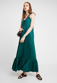 YAS - YASLEORA STRAP DRESS - Maxi-jurk - botanical garden - 2