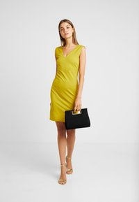 YAS - YASCANE SHORT DRESS  - Fodralklänning - chive - 1