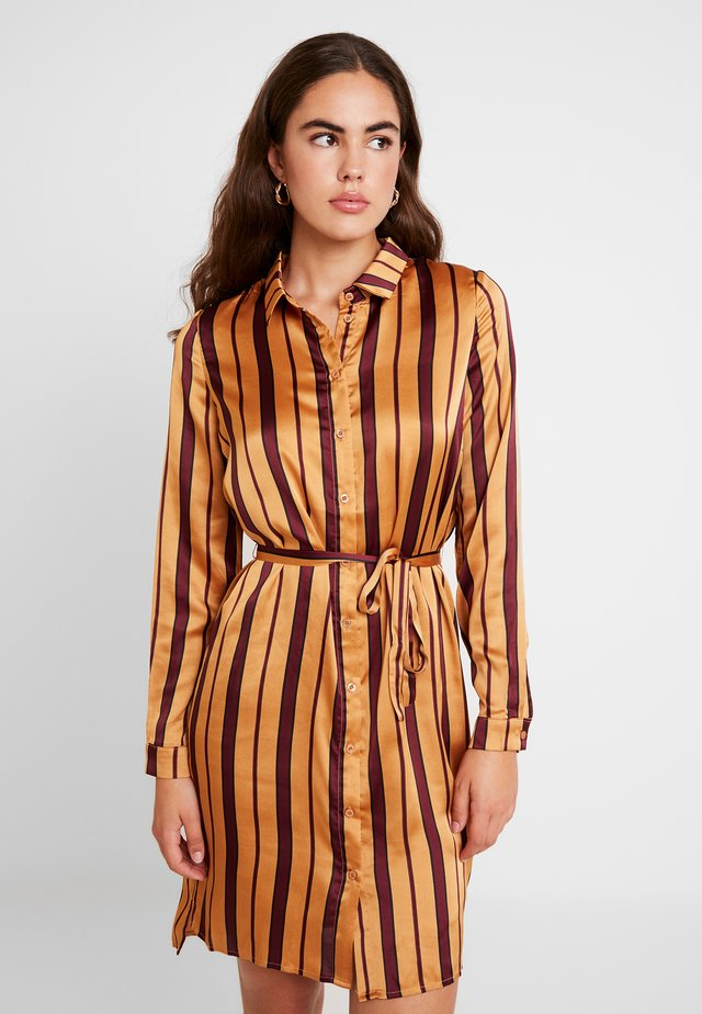 YASCAROLINE DRESS - Blusenkleid - port royale