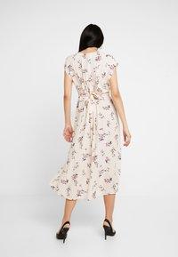 YAS - YASFIVA DRESS - Shirt dress - crème brûlée - 2