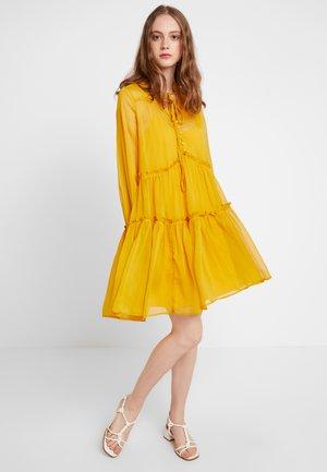 YASKAREN DRESS - Sukienka letnia - primrose yellow