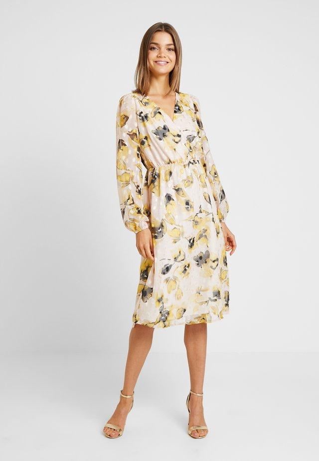 YASSIRIA DRESS - Day dress - primrose/yellow