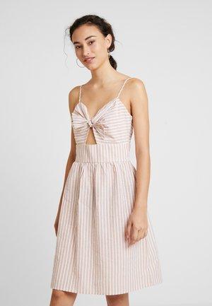 YASXANA DRESS - Korte jurk - star white