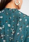 YAS - YASSUSSI DRESS - Freizeitkleid - evergreen