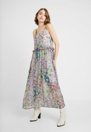YASFLORA STRAP LONG DRESS - Robe d'été - star white